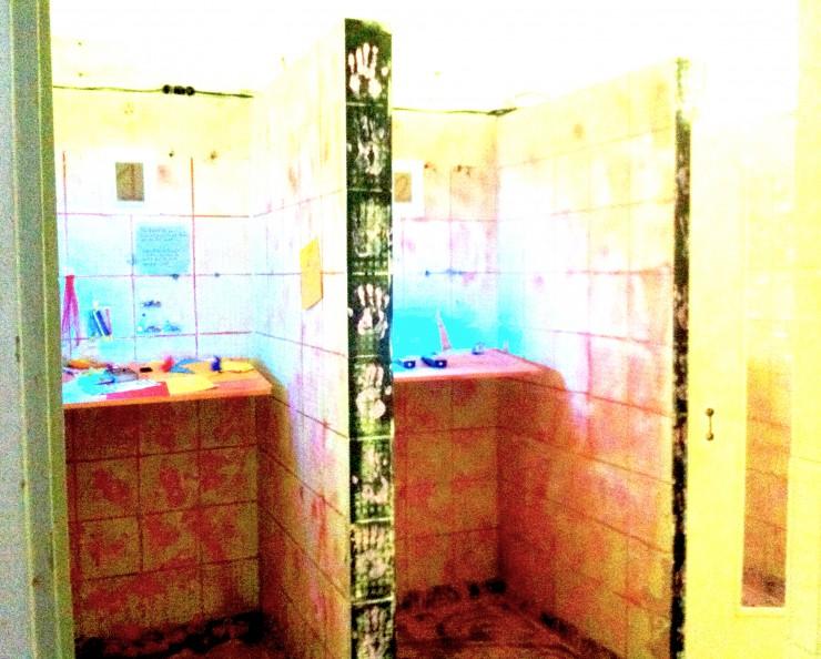 Liebesbotschafts - Bastelkammer aka Dusche Foto: Hanne Lauch